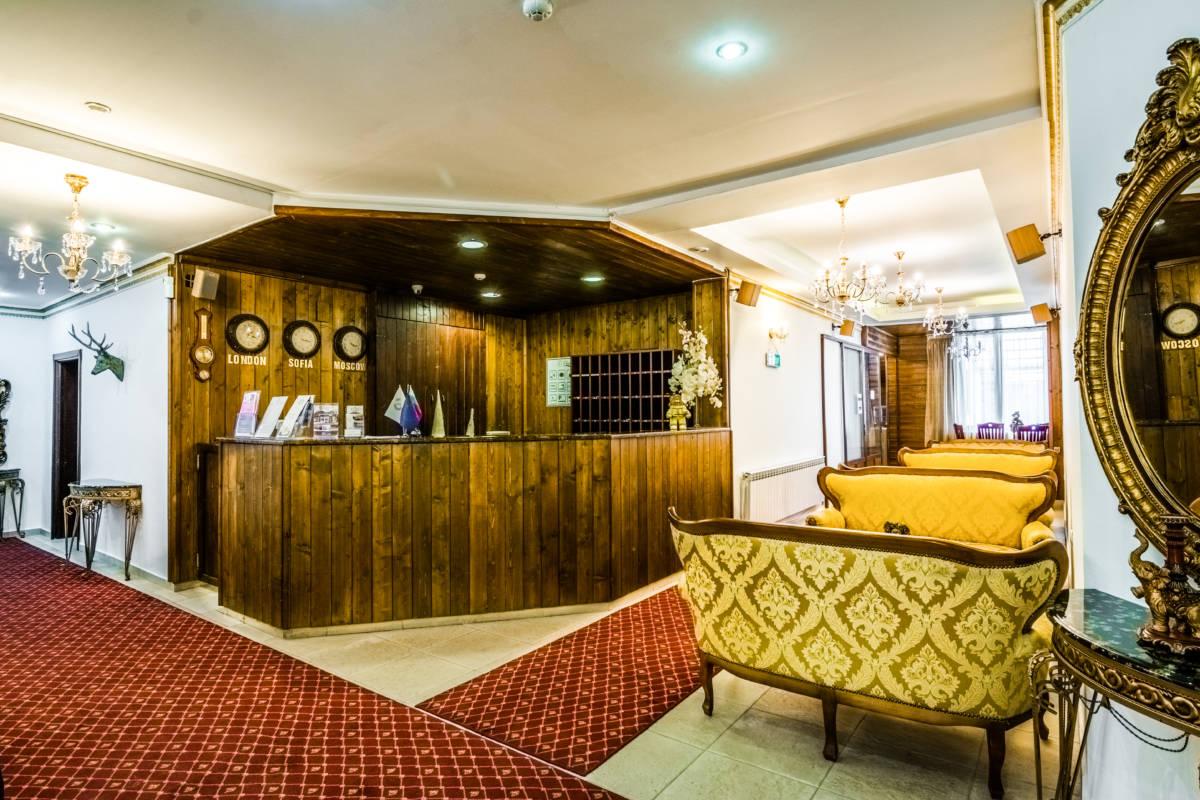 hotel-elegant-lodge-bansko-vidove-retseptsiya-galeriya