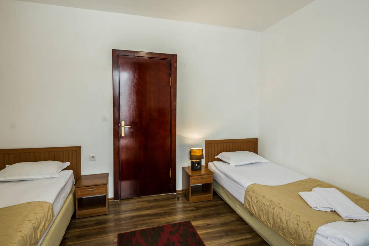 hotel-elegant-luks-bansko-vidove-apartamenti-dvuspalen-galeriya (3)